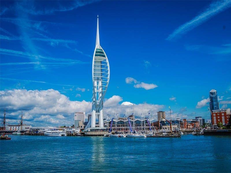 La Spinnaker Tower de Portsmouth en Angleterre