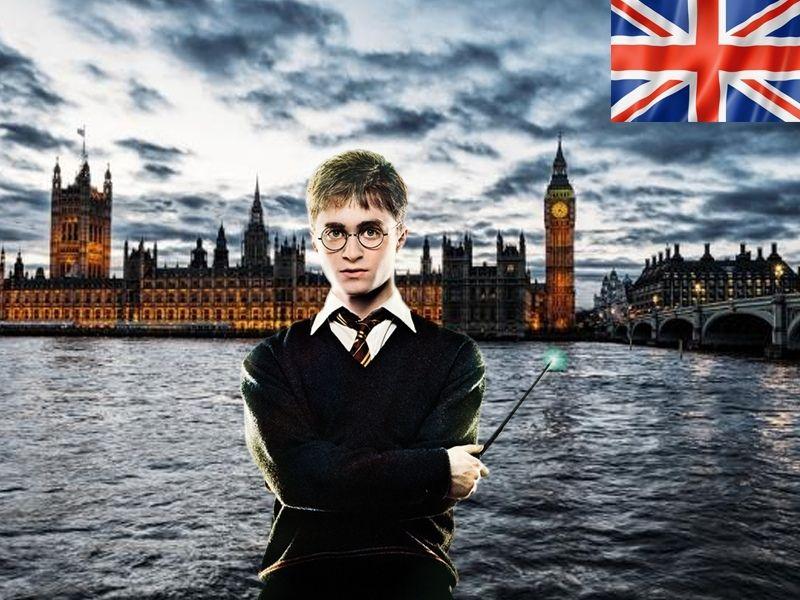 Harry Potter devant la Tamise et le Big Ben en Angleterre
