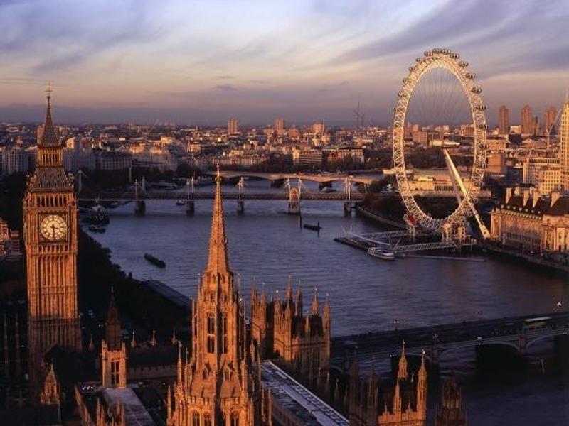 Vue globale de la ville de Londres en été