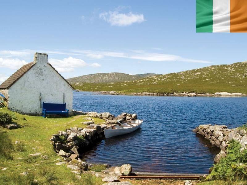 Lacs du Connemara en Irlande en été