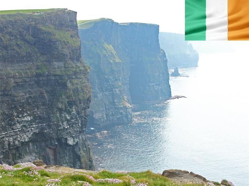 Point de vue sur les Falaises de Moher en Irlande