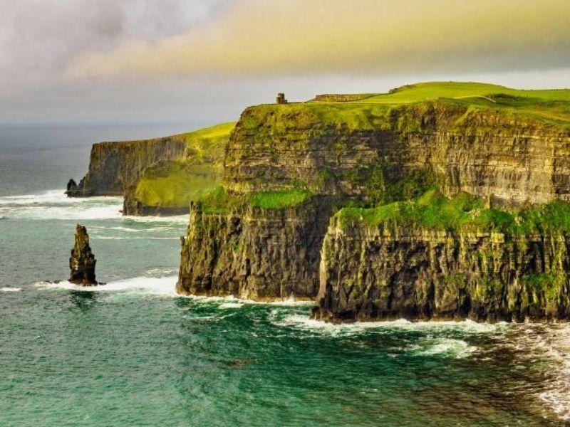 Visite des falaises d'Irlande en séjour linguistique pour adolescent en été