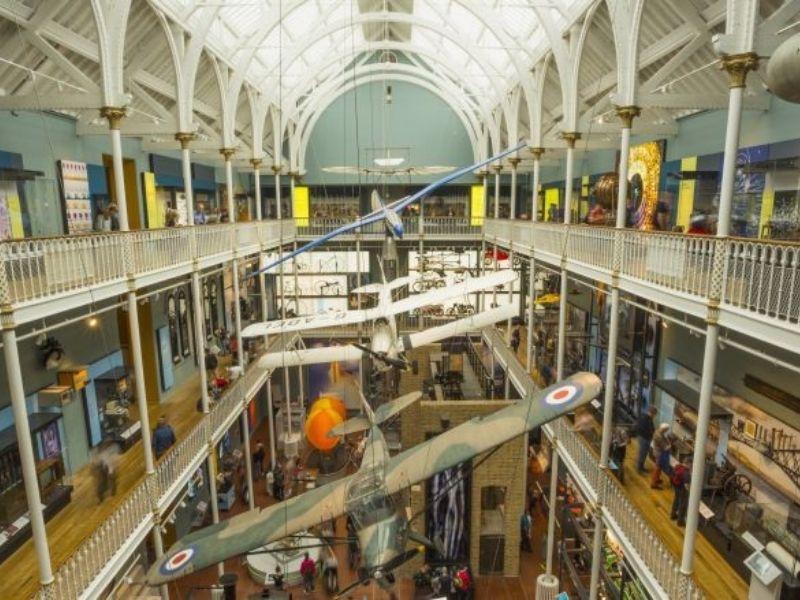 Visite du Musée de l'Aviation en séjour linguistique en Ecosse