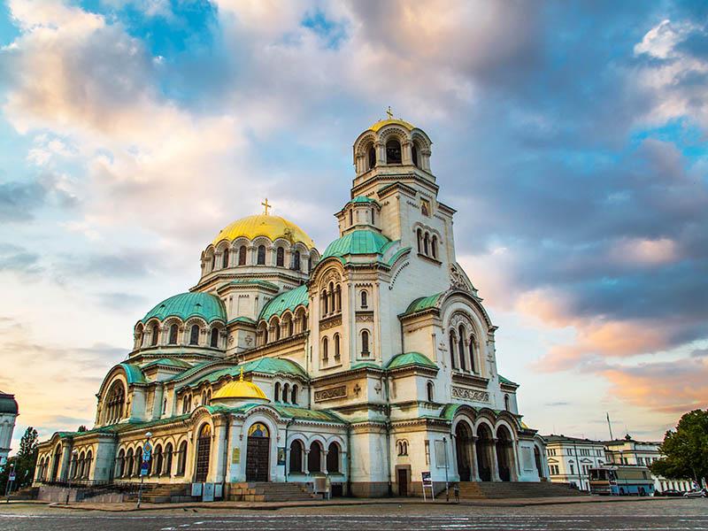 Vue sur la cathédrale de Sofia en colonie de vacances cet été
