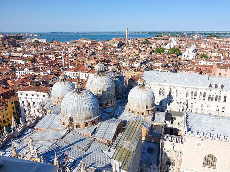 Vue aérienne de la ville de Véronne en Italie
