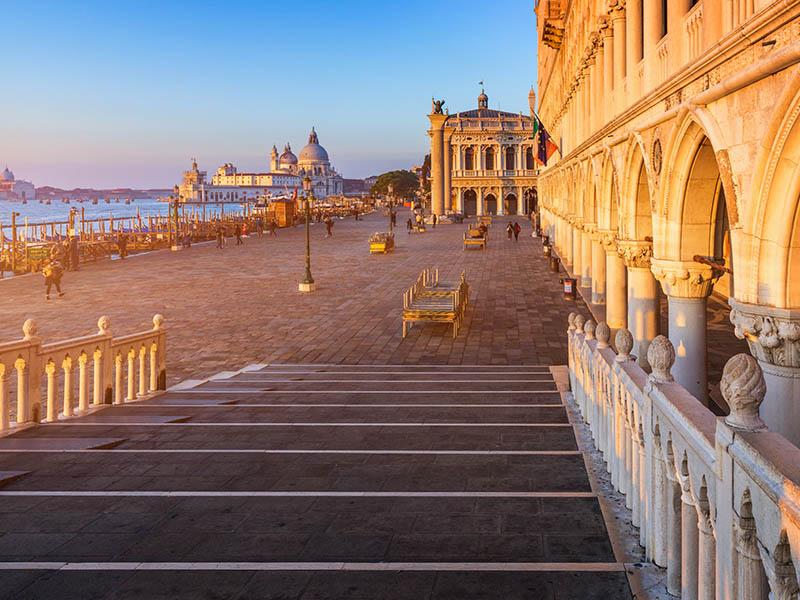 Vue depuis la Basilique Saint marc en colonie de vacances en Italie