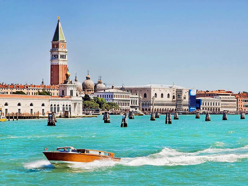 Vue sur Venise cet été en colonie de vacances ados en Italie