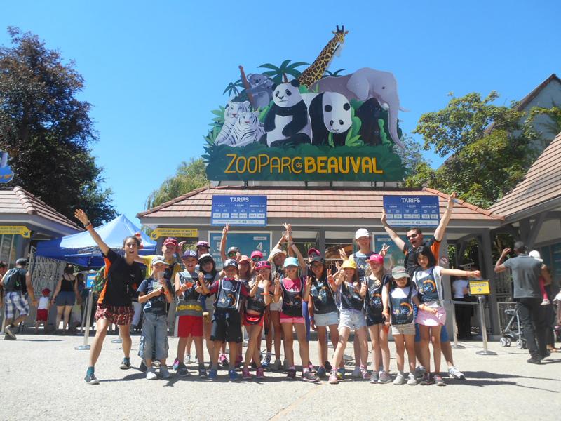 Groupe d'enfants en colo au zoo de beauval