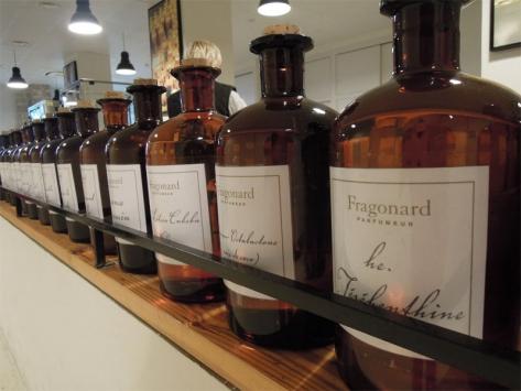 Créer son parfum à Grasse en colonie de vacances