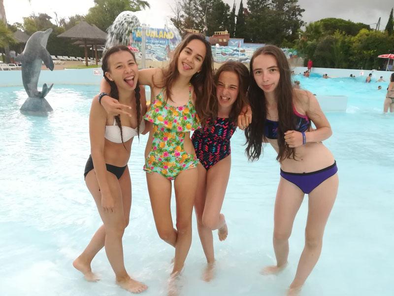 3 enfants en colonie à Aqualand dans le Var