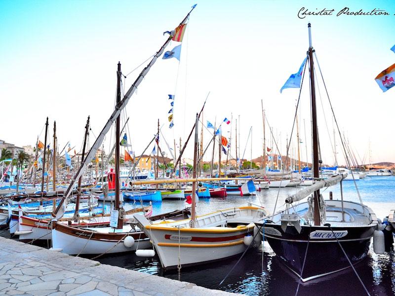 Carte postale de bateaux au port