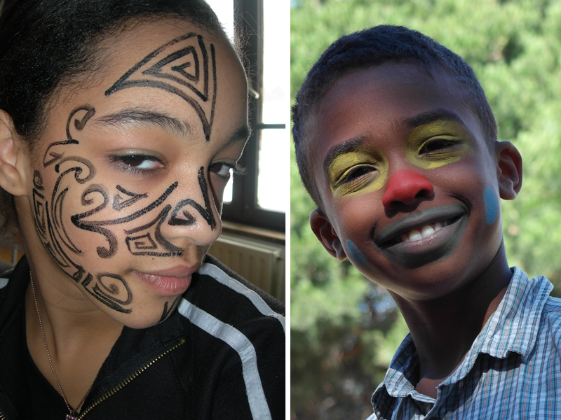Enfant avec un maquillage artistique