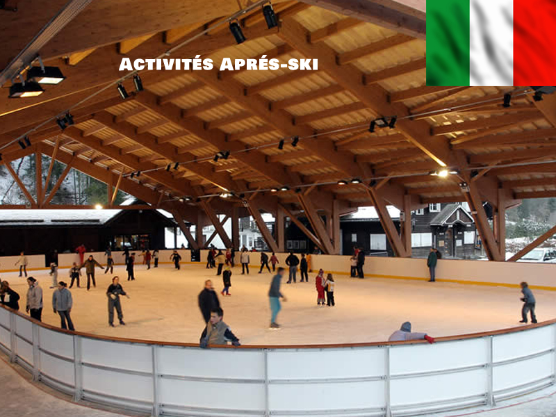 Adolescents à la patinoire en colonie de vacances en Italie