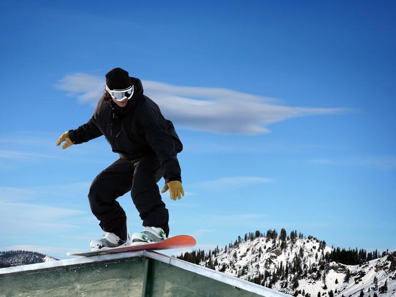 Apprendre à faire du snowboard pendant les vacances d'hiver en colo