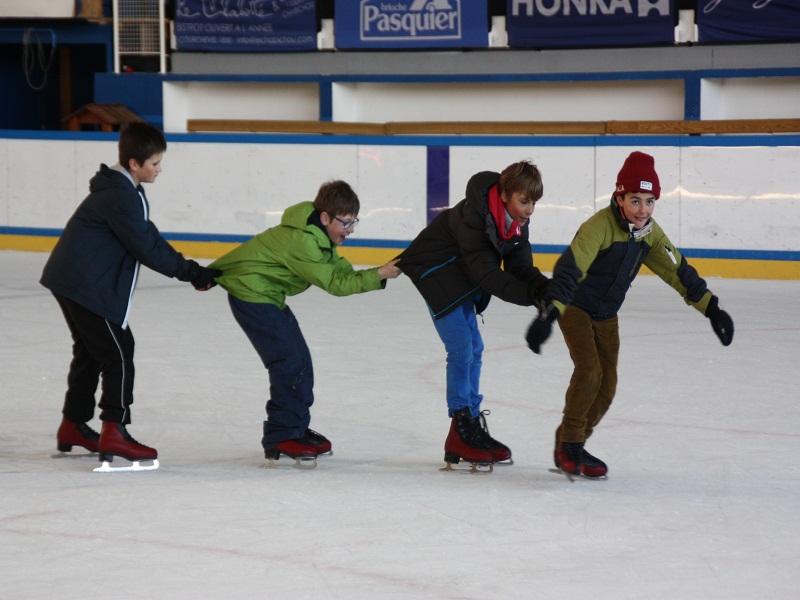 Enfants à la patinoire