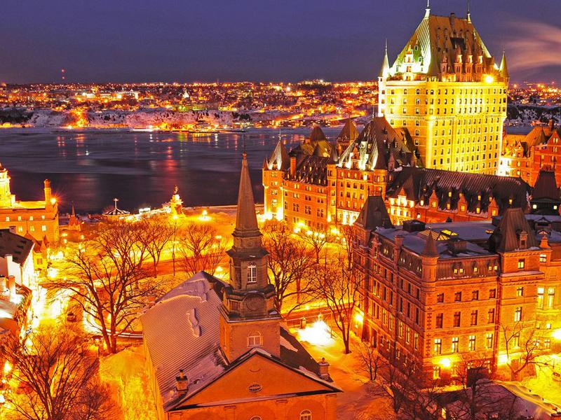 Vue de nuit sur Québec au Canada