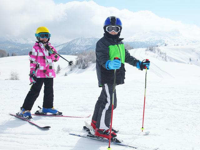 Ados en colonie de vacances au ski
