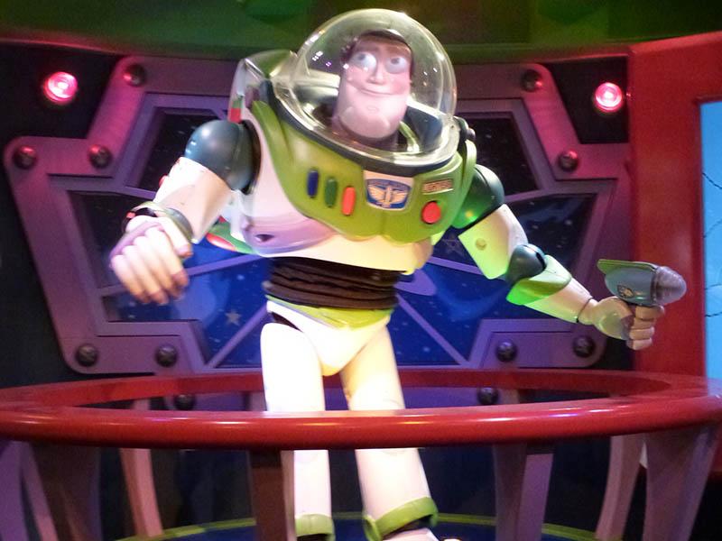 Buzz l'éclair vu en colonie de vacances à Disneyland cet hiver