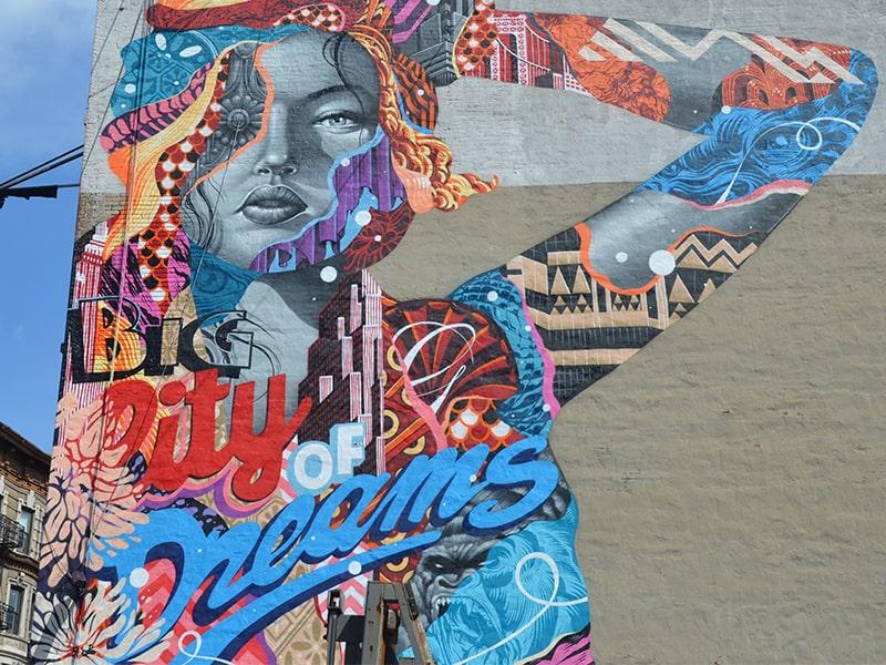 Graffiti City Of Dreams dans les rues de New York lors d'une colonie de vacances