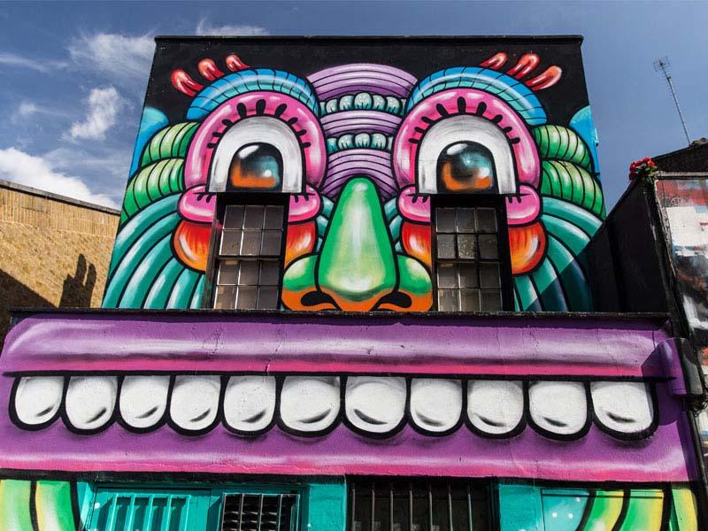 Mur graff à Camden lors d'une colonie de vacances à Londres