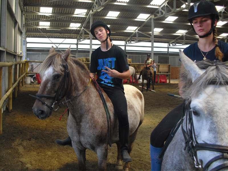 Adolescents à cheval à Yssingeaux