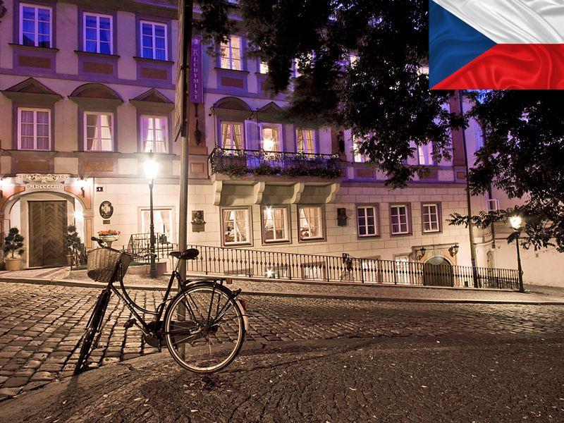 Rue de Prague de nuit