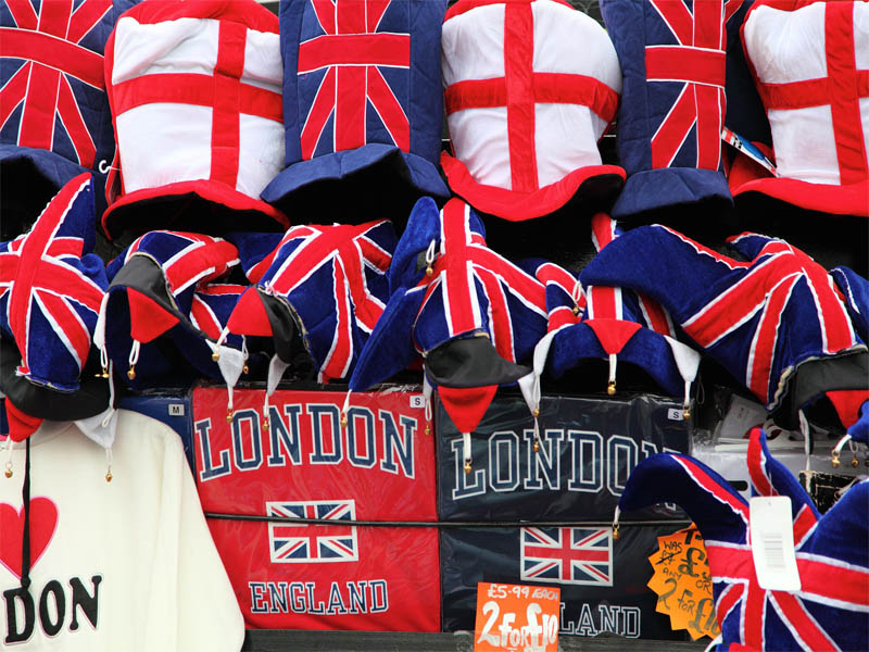 Divers objets de souvenirs typiquement anglais
