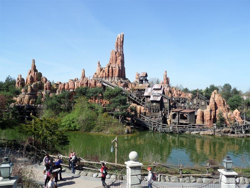Attraction Disneyland en colonie de vacances