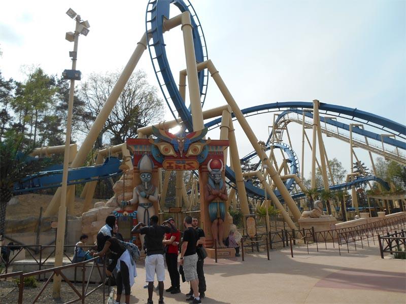 Attraction du parc astérix pendant les vacances de paques en colonie de vacances