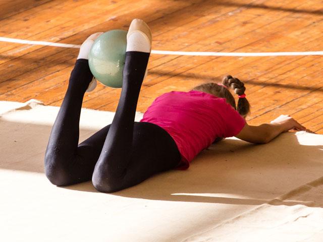Exercices de gym pour enfants en colonie de vacances