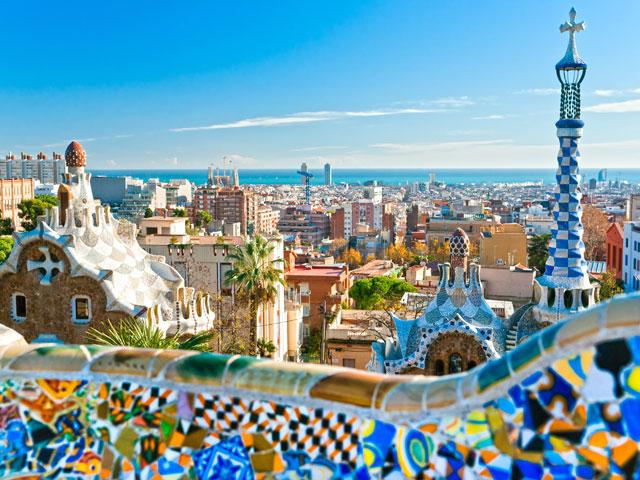 Vue sur le parc Güell en colonie de vacances  à Barcelone