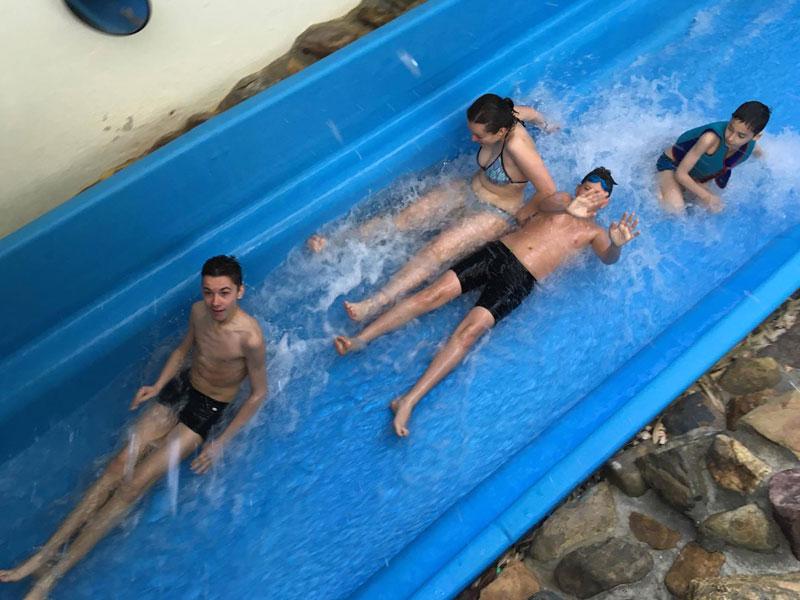 Enfants à Aquafun en Belgique en colo