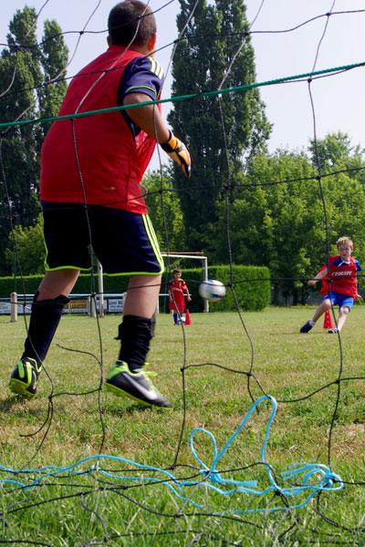 gardien de but football en colonie de vacances multisports au printemps
