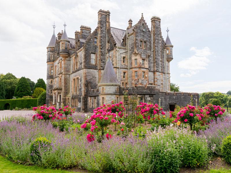 vue sur un chateau irlandais durant une colonie de vacances en Irlande ce printemps
