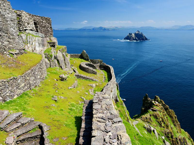 Ruines irlandaises vues en colonie de vacances