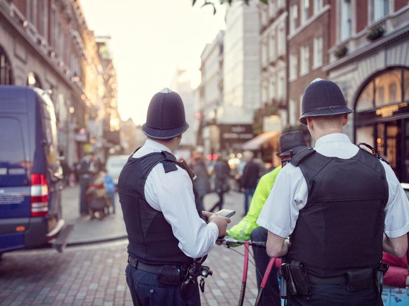 Police anglaise dans les rues de Londres