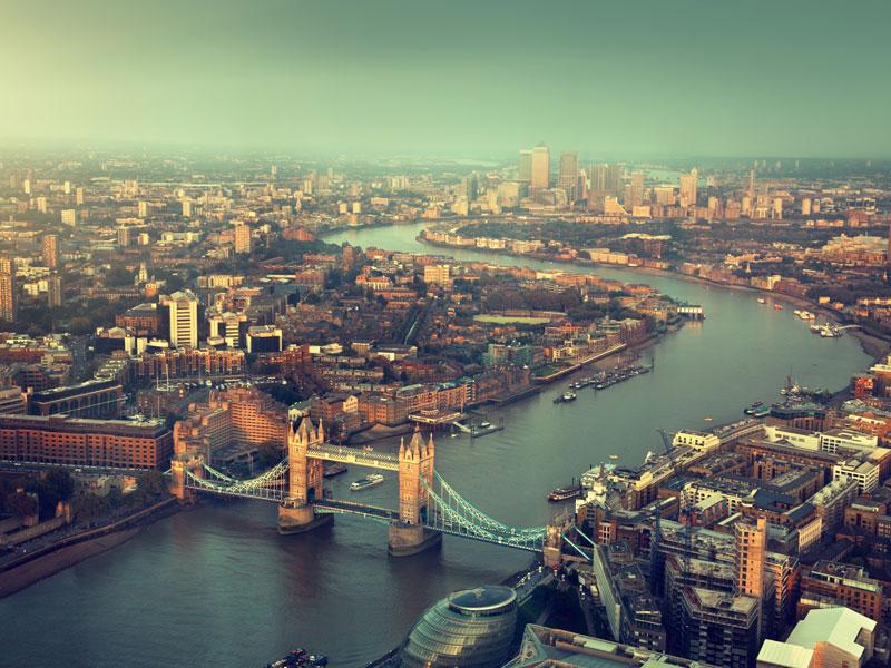 Londres et la Tamise vus du ciel en colonie de vacances ce printemps