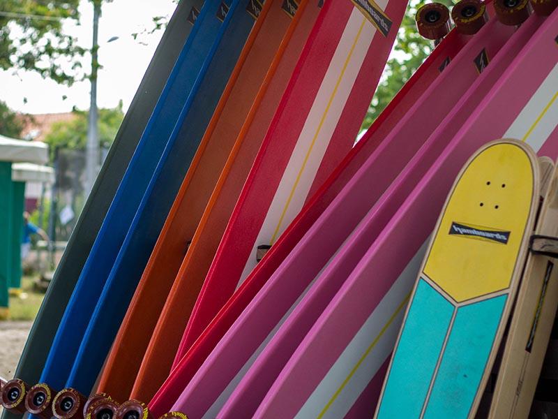planche de bodyboard en colonie de vacances ce printemps au bord de l ocean