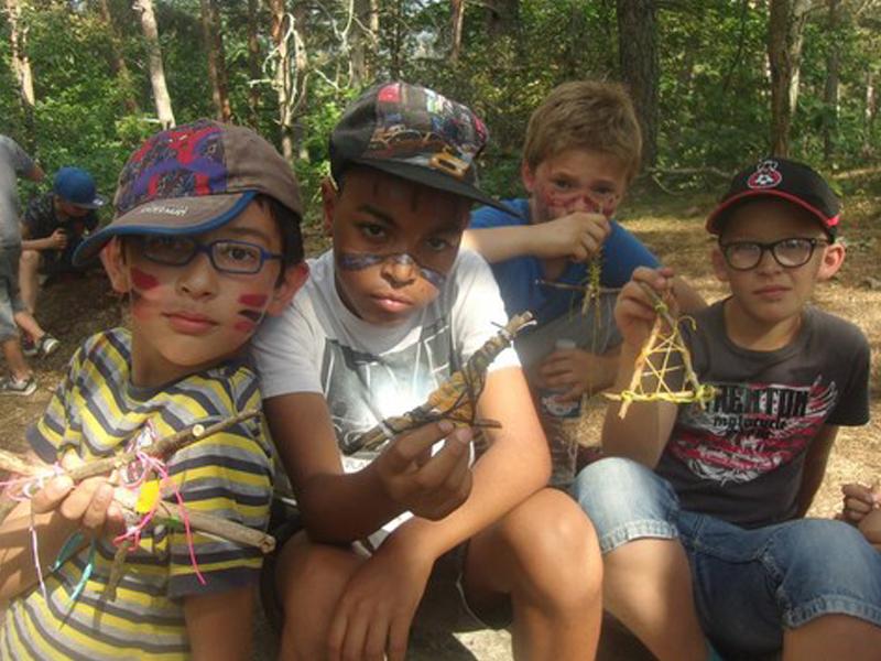 Petits aventuriers en herbe en colonie de vacances