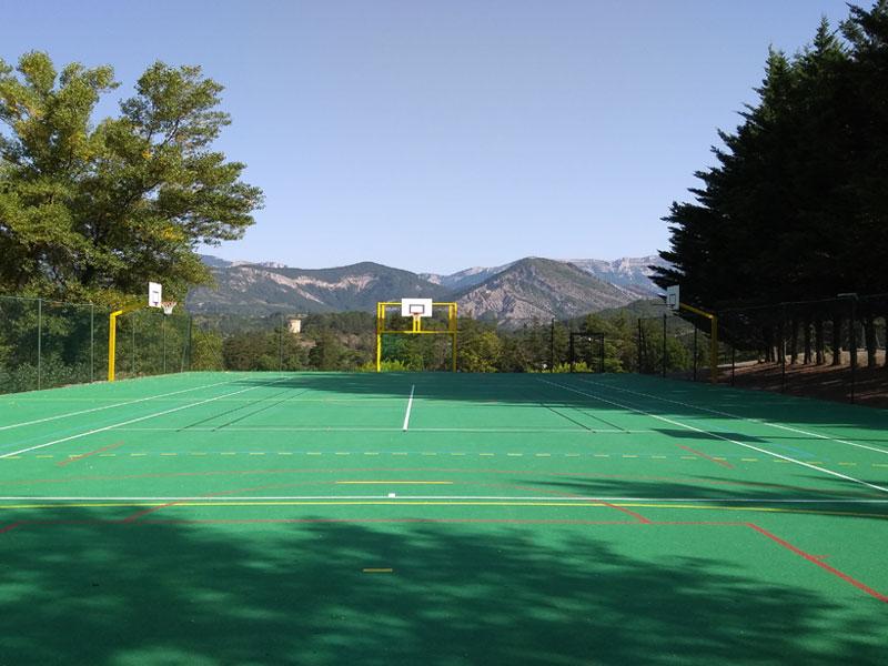 Terrain de football pour enfants en colo