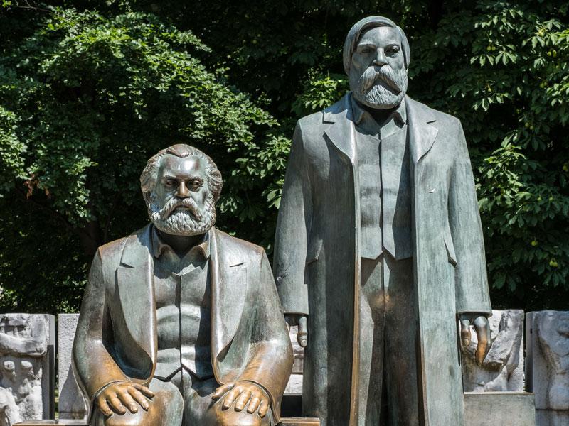 Statues de Karl marx et Friedrich Engels à Berlin