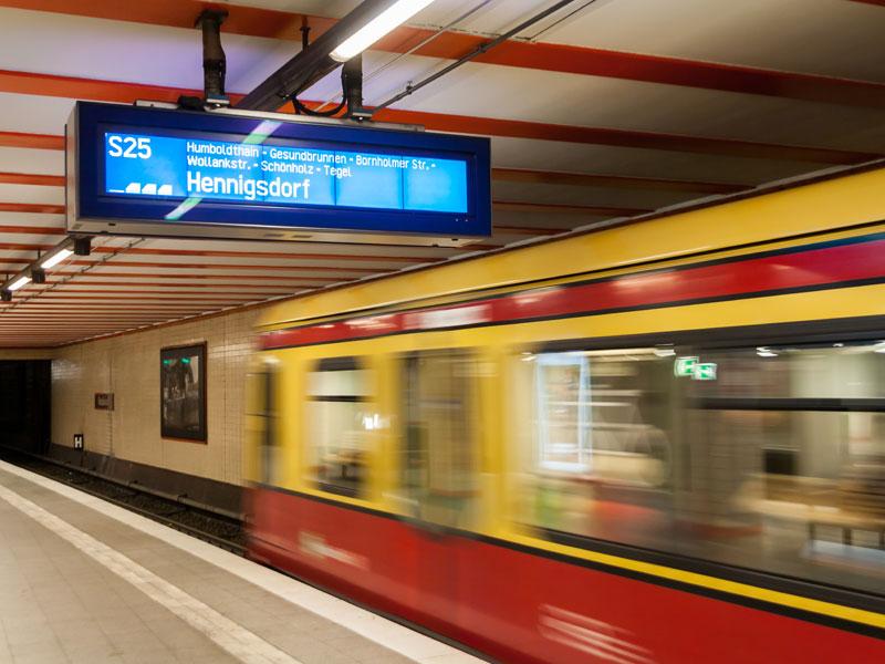 métro berlinois en colonie de vacances à Berlin pour ados