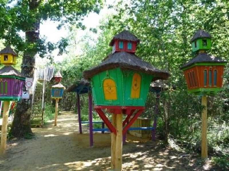 Petites maisons à Défi'planet en colonie de vacances cet automne