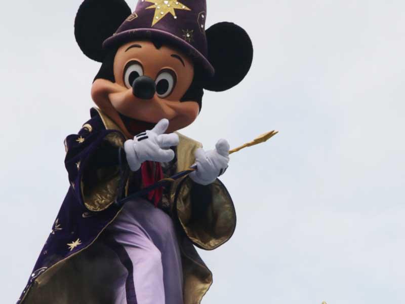 Mickey à Disneyland lors d'une colonie de vacances à la Toussaint