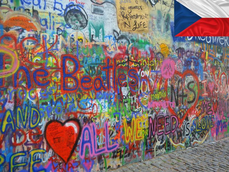 John Lenon's Wall aperçu en colonie de vacances à Prague en automne
