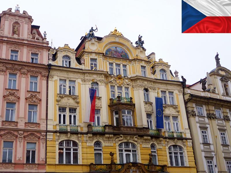 Batiment coloré de Prague en colonie de vacances
