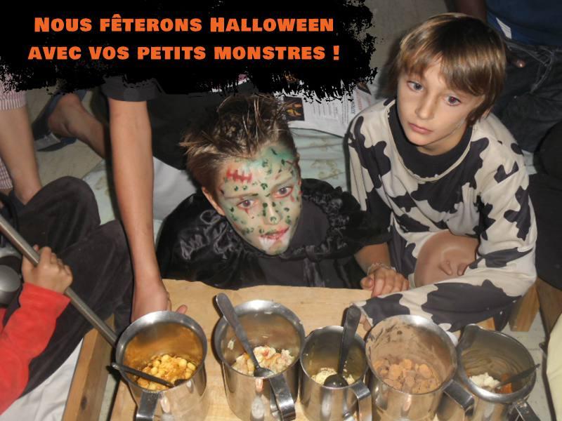 Enfants déguisés pour Halloween en colonie de vacances
