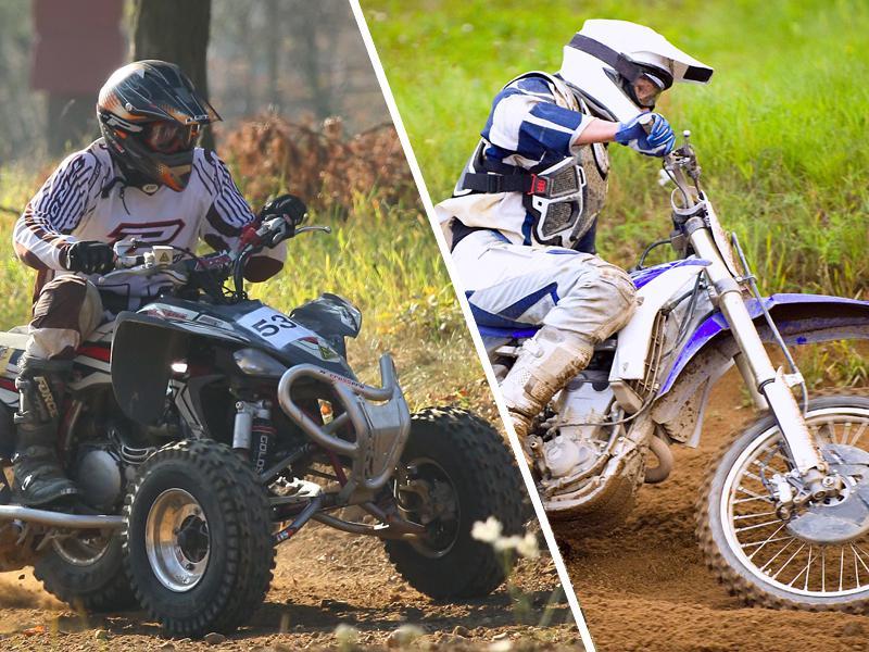 Ados à moto et conduisant un quad
