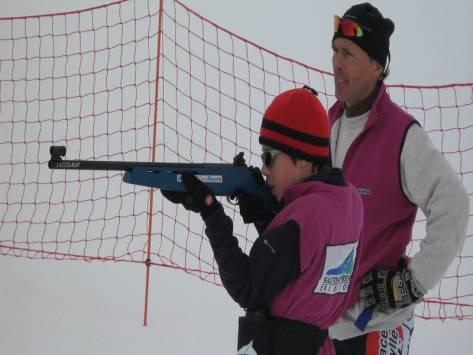 enfant en classe biathlon