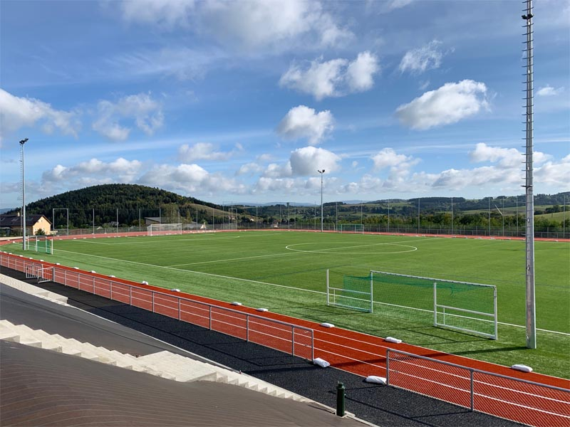 Terrain de football stage sportif colonie de vacances